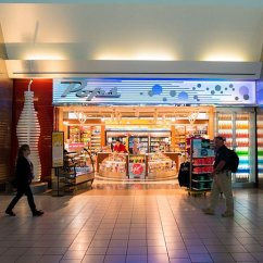 Food and Shopping at Will Rogers World Airport - Pops West